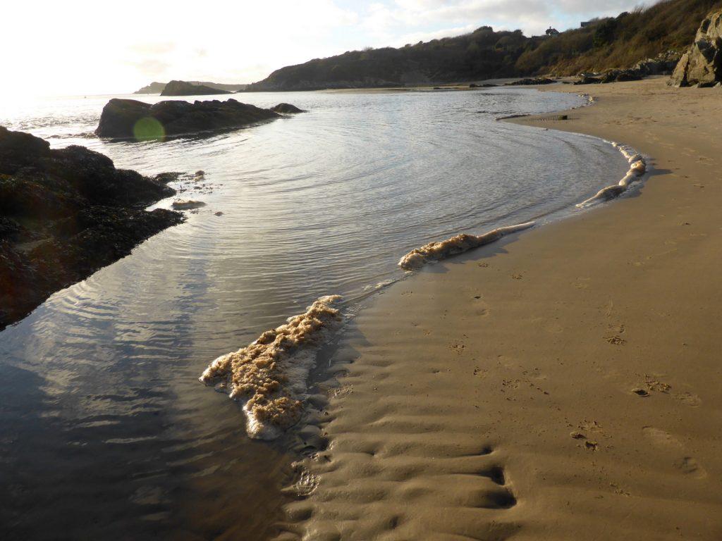 foam on the waterline
